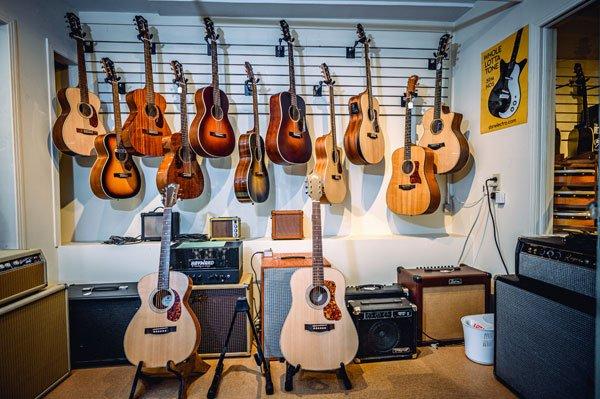 Guitars & Bass O'Brien's Music   St. John's NL